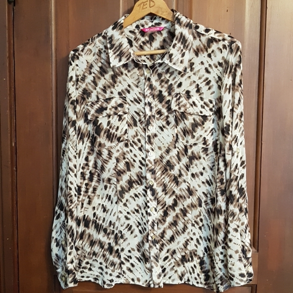 Abstract Patterned Button Down Blouse